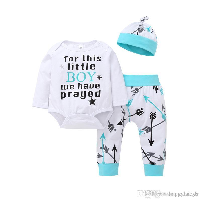 ecd6887f9 Compre Nuevos Conjuntos De Ropa Para Bebés Calientes Trajes Para Bebés  Cartas Mameluco Blanco Manga Larga + Flecha Estampado Pantalón + Sombrero    Set 2018 ...