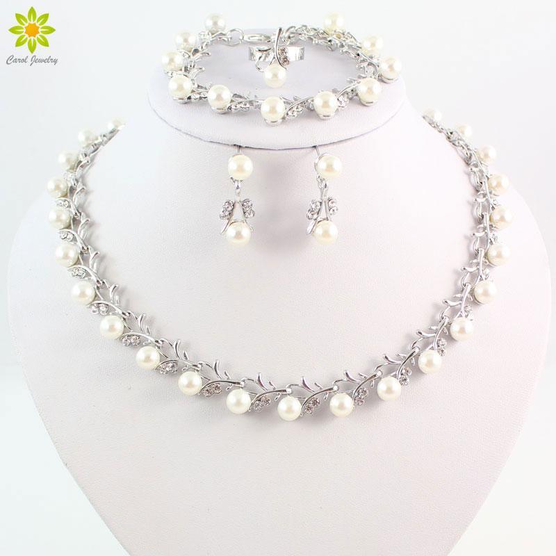 Toptan Moda Gümüş Renk Kristal Benzetilmiş İnci Düğün Kostüm Takı Setleri Kadınlar Için Kolye Küpe Set Gelin