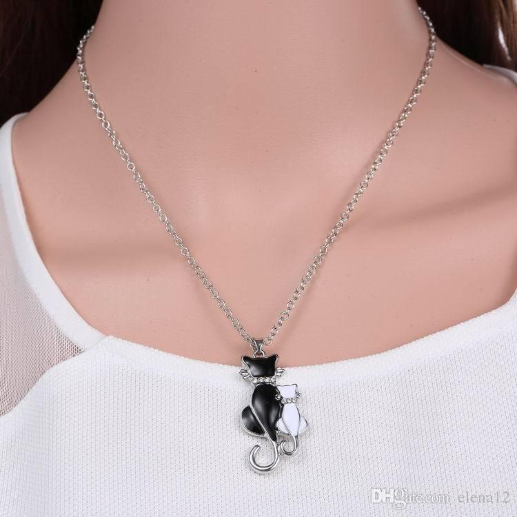 Encantador Negro Collar de Gato Blanco Colgante Largo Marca Cadena de Cristal Nuevo 2018 Aleación de Zinc Chica Mujeres Joyería de Moda Declaración Accesorios 162621