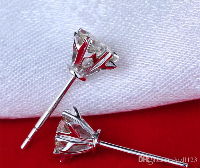 Drop Shipping Fabrika Doğrudan Kar Tanesi Takı 0.3 karat / çift NSCD Sentetik Elmas Saplama Küpe Kadınlar Düğün Gümüş Takı