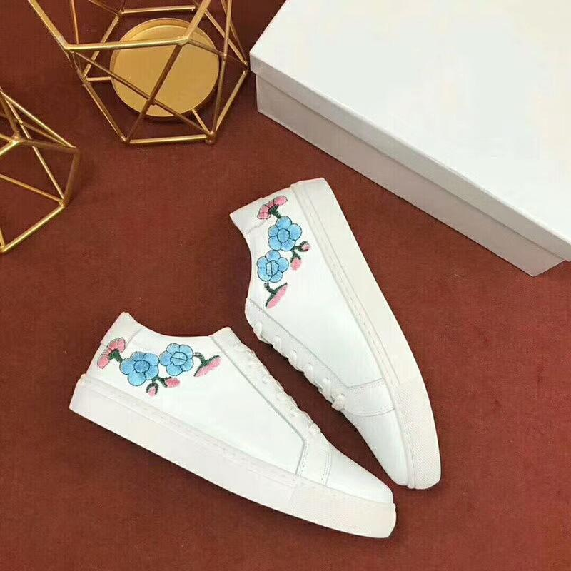 European station 2018 summer new embroidery flowers lace white shoes womens flat bottom casual leather sports shoes european station 2018 summer new embroidery flowers lace white shoes womens flat bottom casual leather sports shoes womens shoes cheap shoe