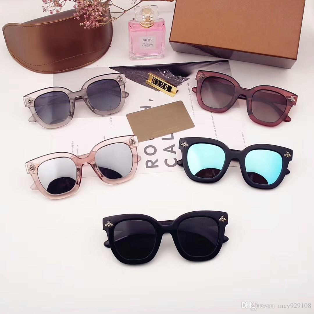 37074867878cf Compre Marca Designer De Óculos De Sol Para Homens Óculos De Sol Para As  Mulheres Das Mulheres Óculos De Sol Mens Marca Designer De Proteção UV  Homens ...