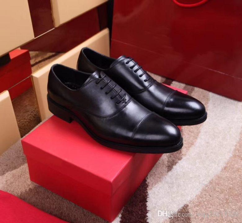 8050New 2018 mocassins bas à bout carré rouge, designer chaussures de robe de mariage d'affaires en cuir verni noir, mode hommes oxford