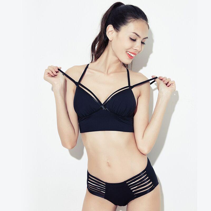 29bb6acac2 Compre Wriufred Deep V Sexy Correa Fina Chica Sin Borde Conjunto De  Sujetador Ropa Interior De Nylon Hollow Ropa Interior Para Mujer Conjuntos  Negro Opción ...
