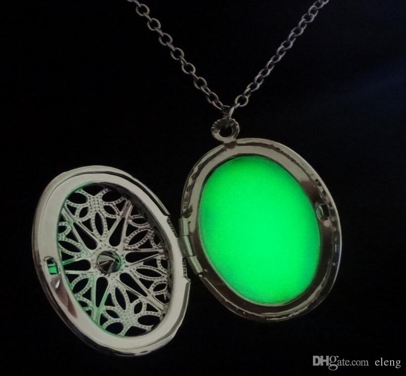 2018 floating locket Glow In the Dark Necklace Pendant Necklace For Women Can open the photo frame can put photos Necklace 459