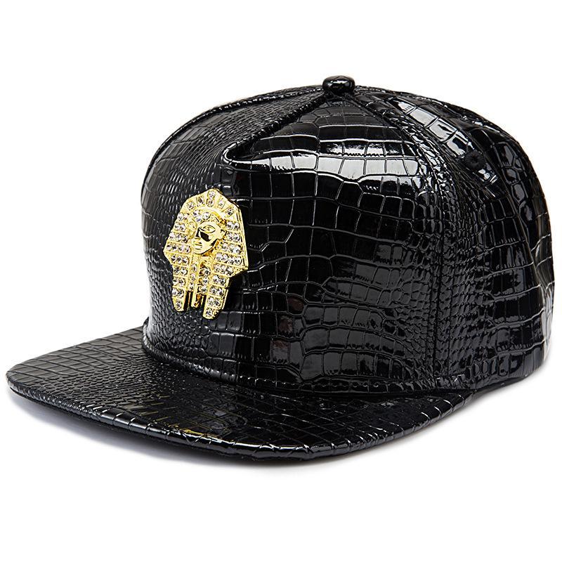 Compre Alta Calidad De Lujo De Cuero De Imitación Pharaoh Logo Gorras De  Béisbol Diamante De Oro Cocodrilo Grano Hombres Mujeres Snapback DJ Last  King Hip ... bb3c8c06cf0