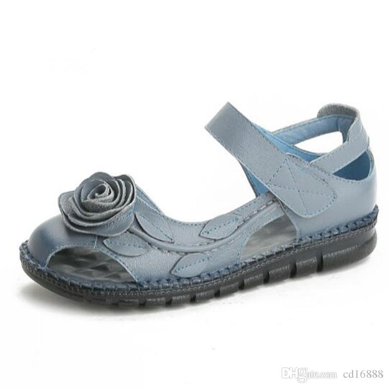 2020 nuevas flores hechas a mano hueca de piel de vaca sandalias de cuero zapatos de verano mujer sandalias planas suave confort ocio mujer zapatos de moda sandalias de moda