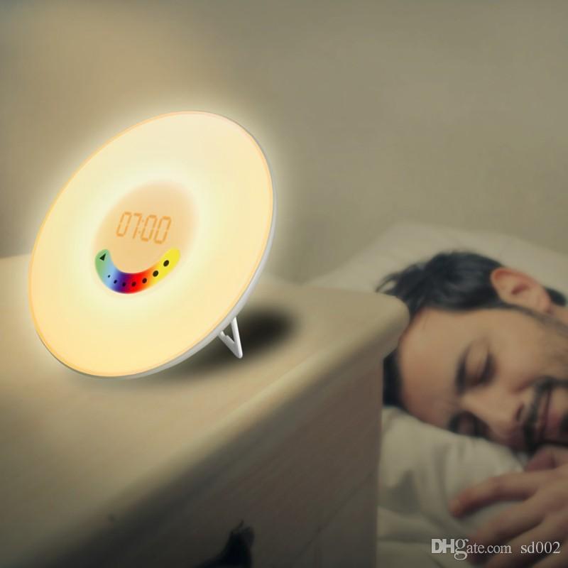 Moderno Sensação de Toque Digital Despertadores de Plástico Com Rádio FM Noite Lâmpada Do Sol Nascer Do Sol LEVOU Acordar Luz Para A Decoração Home 80yz B