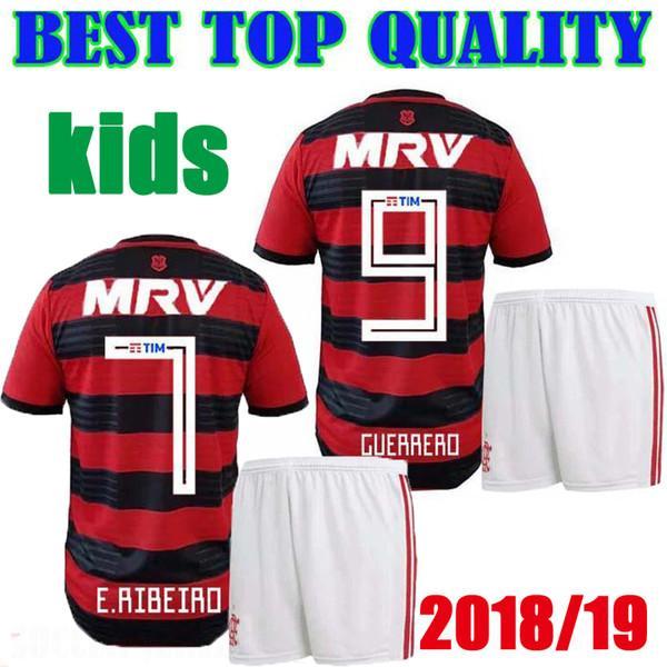 04d83bd5179 Compre 18 19 Flamengo Crianças Kit Camisa 2018 2019 Flamengo GUERRERO DIEGO  VINICIUS JR Camisas De Futebol Flamengo Casa Vermelho Preto Esportes Menino  ...