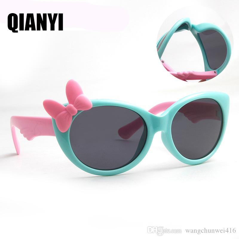 0f5fc31f1df3e Compre Crianças Óculos De Sol Polarizados Óculos De Proteção Do Bebê  Crianças Tr90 Quadro De Alta Qualidade Óculos De Sol Uv400 Menino Meninas  Bonito Legal ...