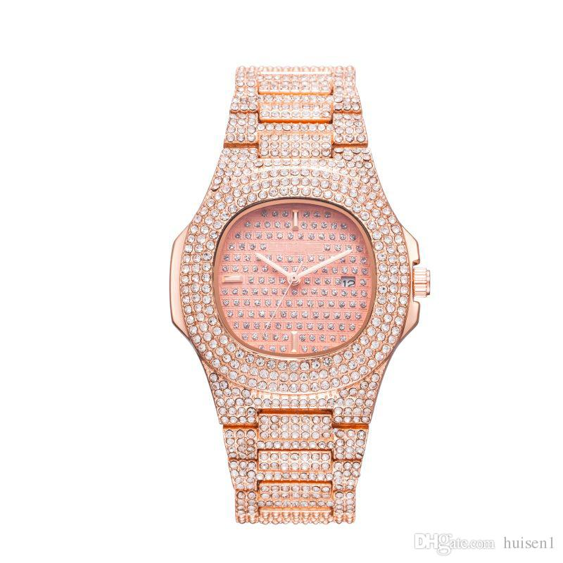 cb0c1670dad Compre Novo Famoso Diamante Luxo Cristal Dial Pulseira De Relógio De Pulso  De Quartzo Presente De Natal Para Senhoras Mulheres Ouro Rosa De Prata De  Ouro ...
