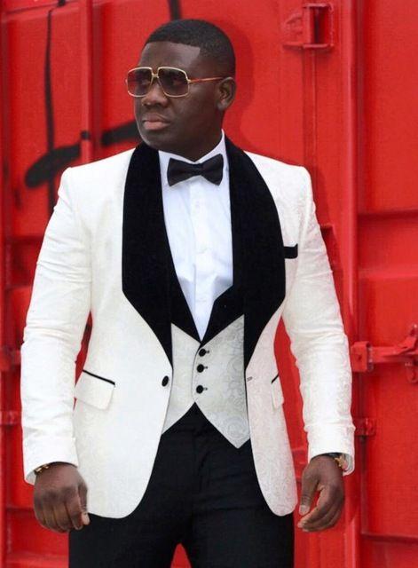 Groom Tuxedos One Button Ivory Szal Lapel Najlepszy Mężczyzna Garnitury Ślub Groomsman Mężczyźni Garnitury Ślubne Oblubienica Kurtka + Spodnie + Kamizelka + Krawat K: 92
