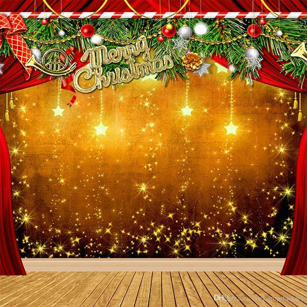 Weihnachten Hintergrund.Frohe Weihnachten Hintergrund Holzboden Gedruckt Glitter Sterne Bälle Grün Blätter Rote Vorhänge Xmas Party Bühne Foto Hintergründe