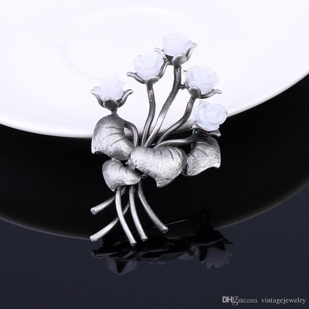 Fashion Personality Vintage Flowers Handmade Floral Brooch Clothing Accessories Gift for Women and Men YP3298