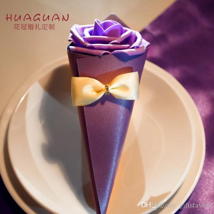 Cone Shaped paper favor holders candy favors boxes for wedding birthday party guests wholesales