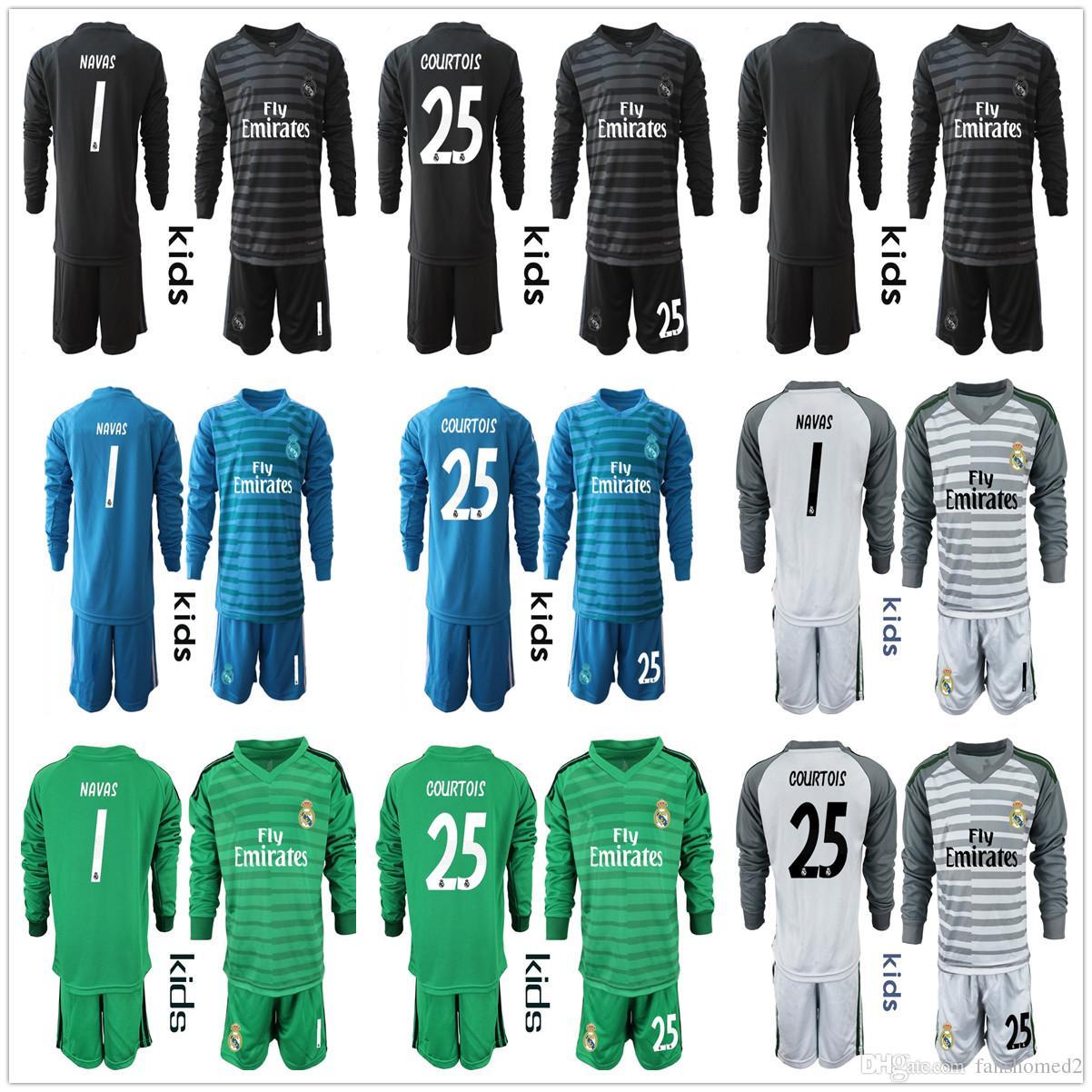 0d7ce0080 Compre 2018 2019 Niños   1 Keylor NAVAS   25 Courtois Juvenil Real Madrid  Camisetas Equipos De Fútbol Para Porteros Kits Boy Casilla Uniforme De  Fútbol Para ...