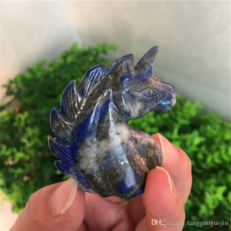¡libera el envío! 45g El cráneo del unicornio hecho a mano de piedra azul natural, repara la energía esculpida gemas de cristal