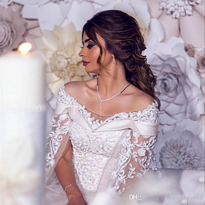 2019 두바이 아랍어 3D 꽃 라인 우아한 웨딩 드레스 케이프 Tulle 스윕 열차 신부 드레스와 레이스 Applique