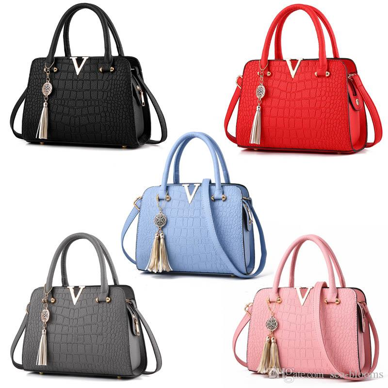 4fe720a6a7 2019 Tassel Women Handbag Bag Handbags Women Messenger Bags Crossbody Shoulder  Bags Ladies Handbag Women Totes G159S From Sea Blooms