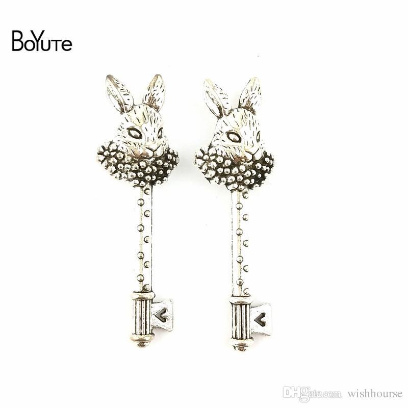 BoYuTe  16*51MM Vintage Accessories Part Antique Bronze Silver Peter Rabbit Key Zinc Alloy Charms Pendants for Jewelry Making