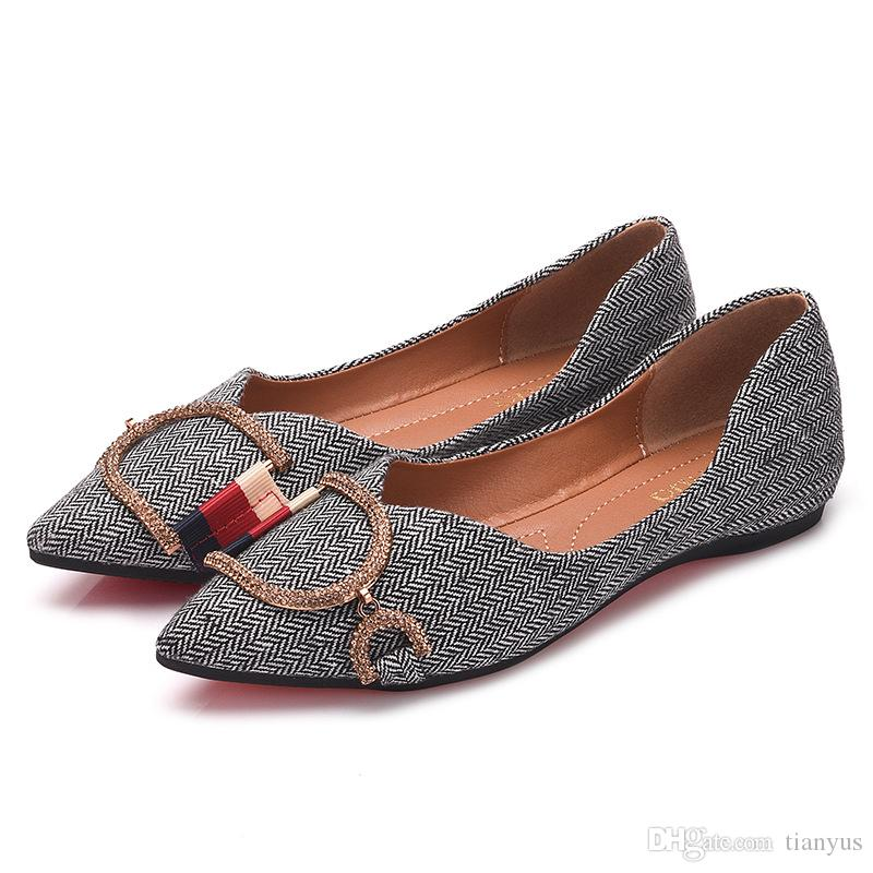 Luxury Women Loafers Designer Travel Prom Flats Metal Buckle Rhinestone Ballet Flats Women Sandals Slippers Shoes Big Size 35 41 Q 160