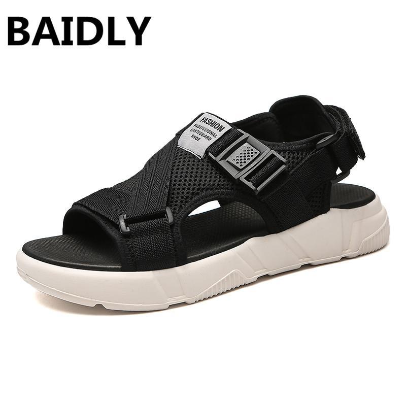 13be65a7 Compre Pisos Al Aire Libre Para Hombre Sandalias De Playa Verano Hombres  Sandalias Suave Zapatos Casuales De Los Hombres Nuevos Zapatos De Los  Hombres Que ...