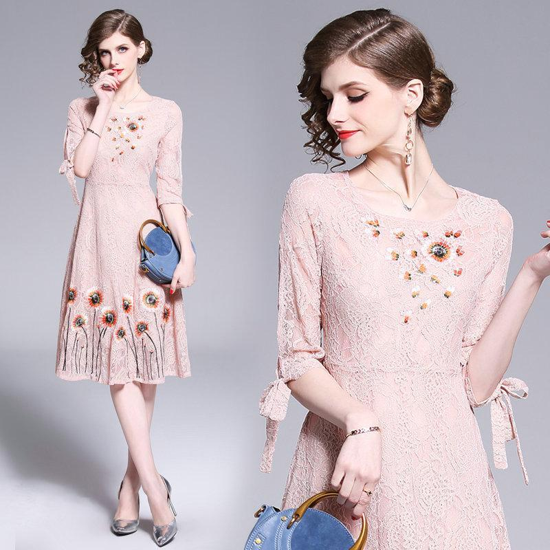 2019 Spring Summer Lace Dress Half Sleeve Women Dresses Fashion Sweet Embroidery Midi Dresses Wedding Party Prom Dress