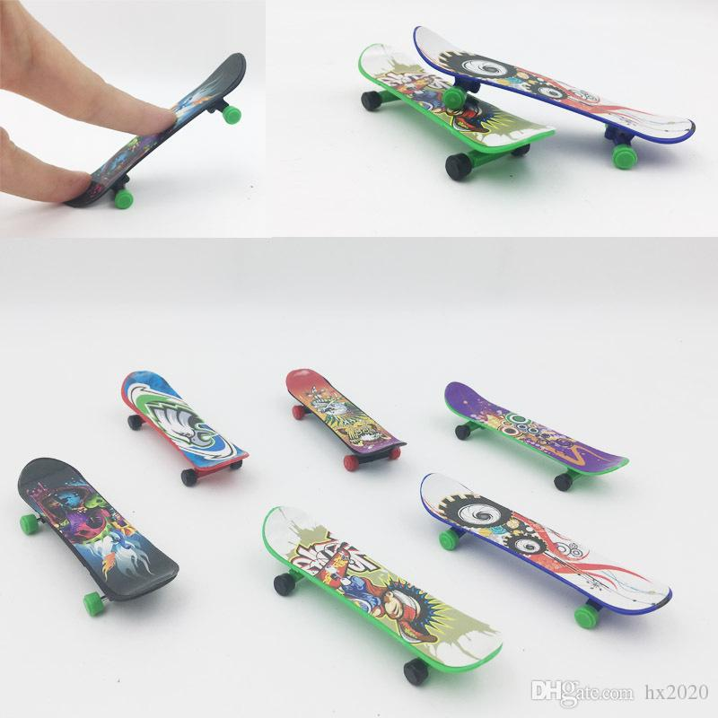 Mini Multicolor Plastic Finger Slide Board Four Wheel Scooter Kids Hands Toys Skate Board Outdoor Sport JXW183