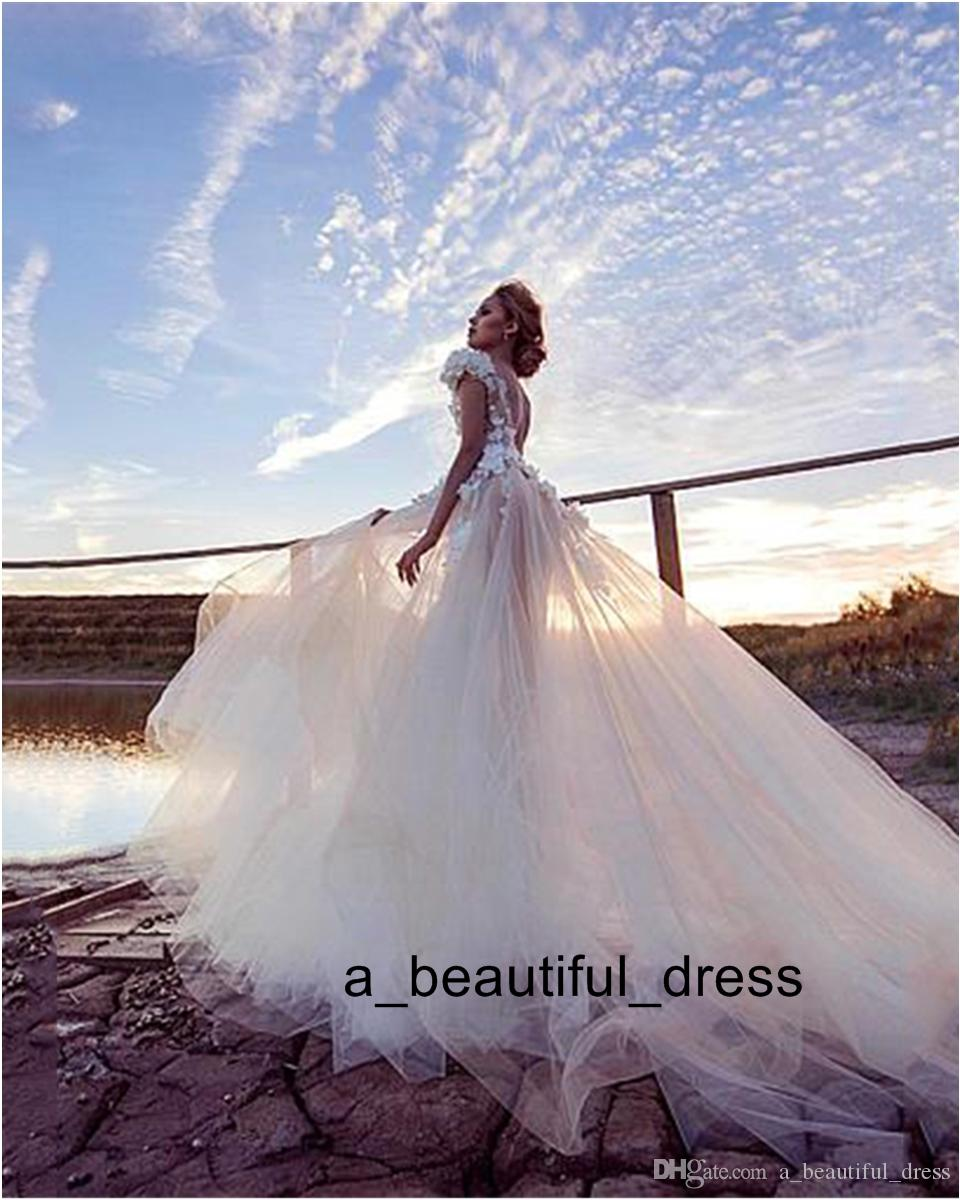 Luxury Tulle A-line Wedding Dresses Sexy Backless Bridal Dress 3D Lace Flowers Fairy Beach Fairy Beach Wedding Dress