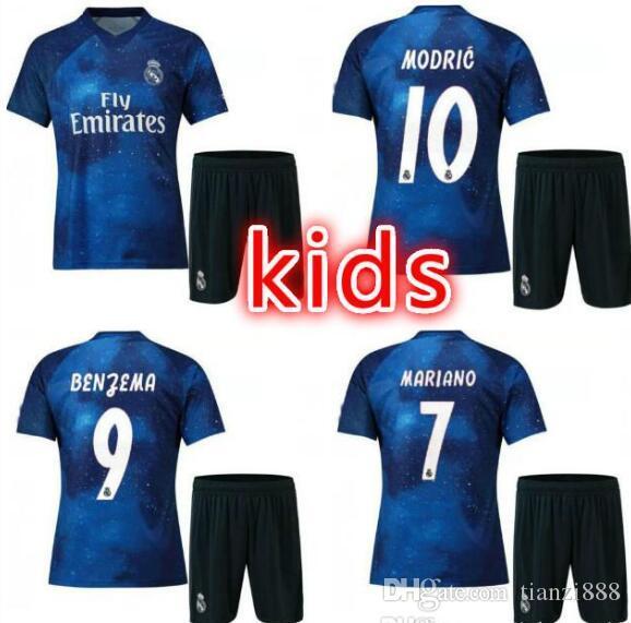 Compre Niños 2019 Camiseta De Fútbol Del Real Madrid Edición Limitada  Jersey Azul De EA Sports   12 MARCELO   10 MODRIC Versión Especial Del Real  Madrid ... 25ad75ed1a0d7