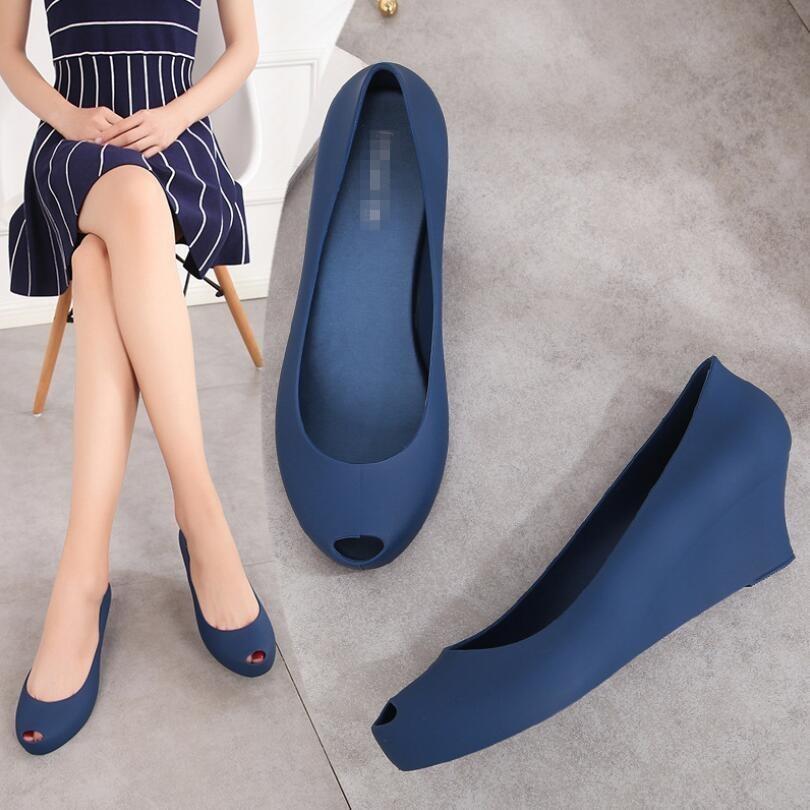 d380432e127da Kleid Eoeodoit Jelly Pumps Schuhe Med Absatzhöhe Zunehmender Urlaub Frauen  Keile Absatz Peep Toe Slip On Sommer Sandalen Regenschuhe
