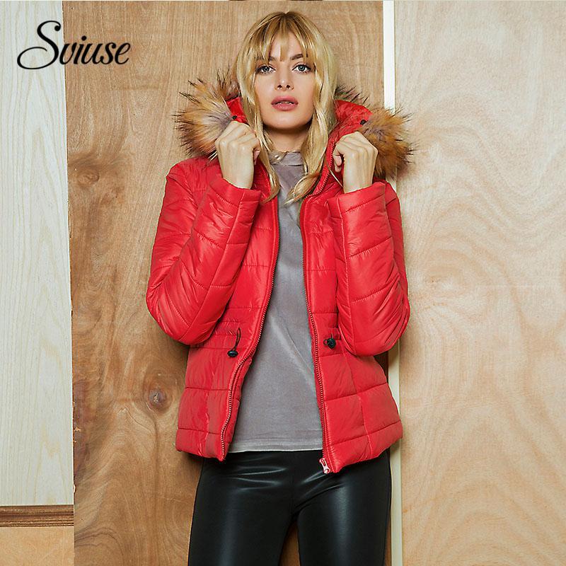 super popular 38327 39dd5 Cappotto invernale donna rosso caldo con cappuccio in pelliccia Giacca  imbottito elegante base rosso femminile Elegante piumino corto casual con  ...