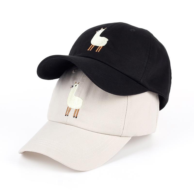 b9bbc9bd4cfa 2017 nuevo Unisex Alpaca Bordado Ajustable Sombrero de Papá hombres guapo  Gorra de Béisbol de Alpaca mujeres lindo negro beige papá gorra
