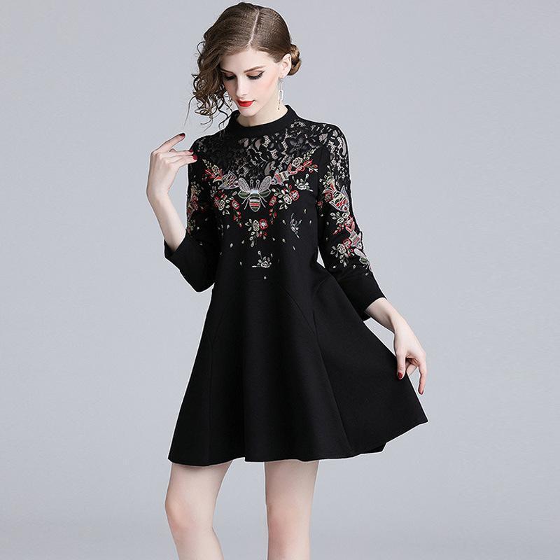 fcee882882 Compre 2019 Lace Vestidos A Linha Animal Bordados Casual Pouco Vestido  Preto Slim Mini Vestido Vintage De Sinofashion