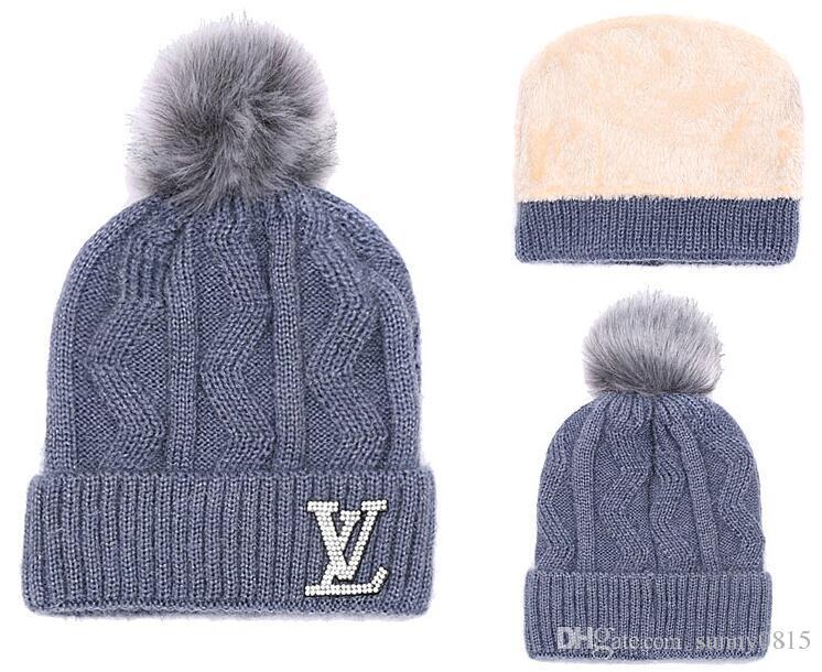 b6618a32cff31 Wholesale Hot Winter Fashion Men Beanie Women Knitted Hat Casual ...