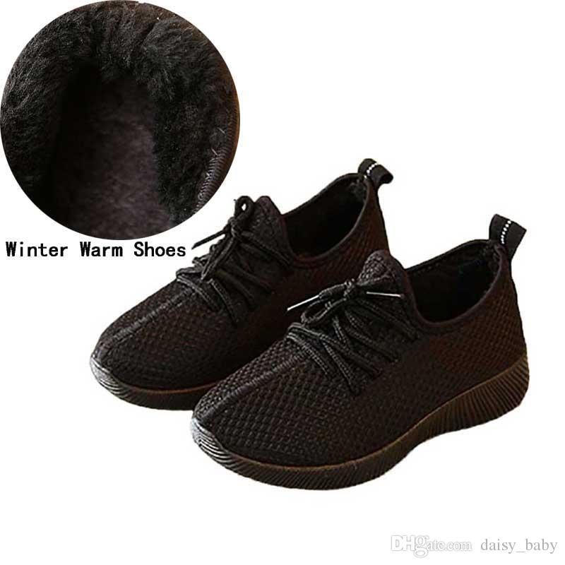 50b7a3e2a23 Compre Zapatos Casuales Para Niños Invierno Cálido Negro Rojo Niños Suela  Suave Calzado Zapatillas De Deporte Para Niños Zapatillas De Felpa Para  Caminar ...