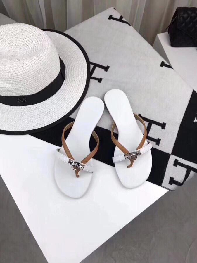 Luxury classic TX 2019 new summer ladies leather slippers beach shoes designer brand top production candy color Flip Flops