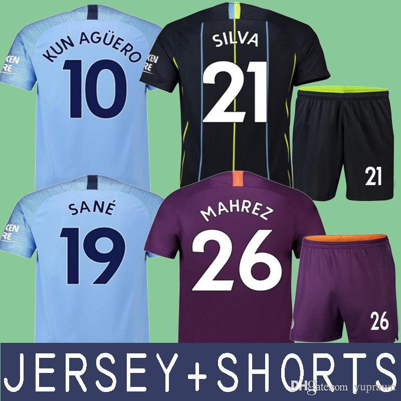 4fa9ae6cd Acquista Manchester City 18 19 Mahrez JERSEY + SHORTS City KUN AGUERO De  Bruyne Pullover Di Calcio G.Jesus SANE 2019 Maglia Da Calcio BERNARDO Man  Camiseta ...