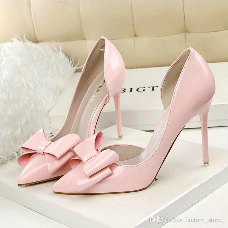db13b78d63651 Compre Zapatos De Boda Tacones Negros Charol Oficina Zapatos Mujeres Bowtie  Stiletto Tacones Blancos Mujeres Zapatos De Lujo Diseñadores Mujeres  Fetiche ...