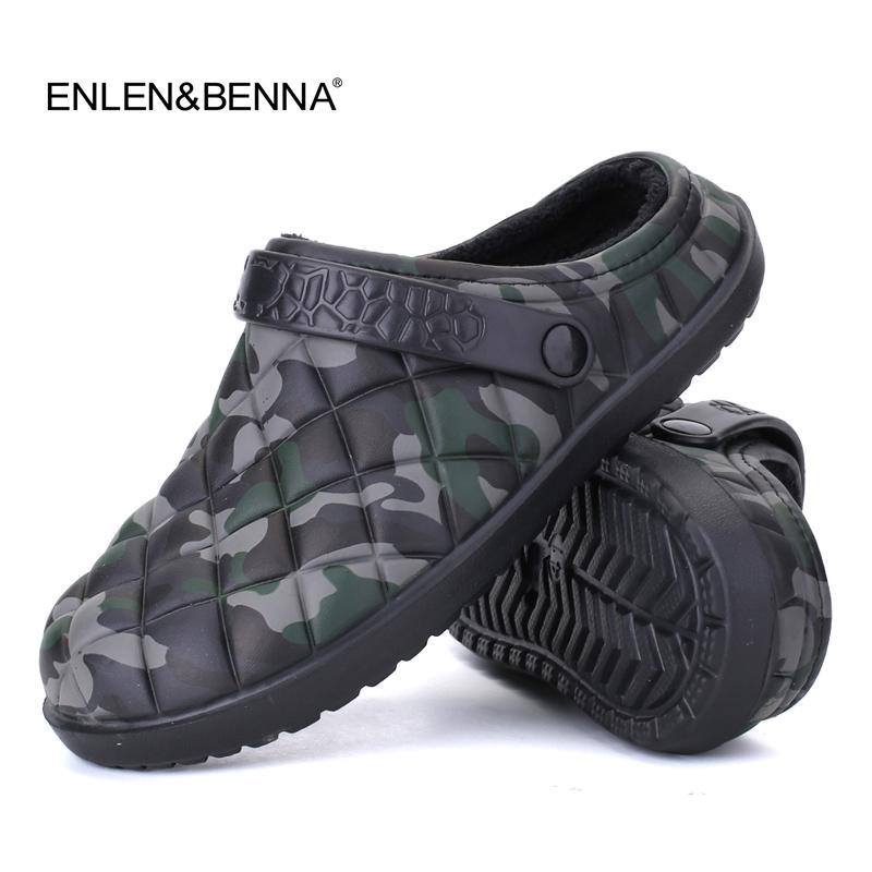5d032ed286f3 New Winter Men Sandals 2017 New Croc Men Beach Shoes Camouflage Slippers  Plush Warm Flip Flop Plush Garden Sandals Clogs Outside Heeled Sandals Boys  Sandals ...