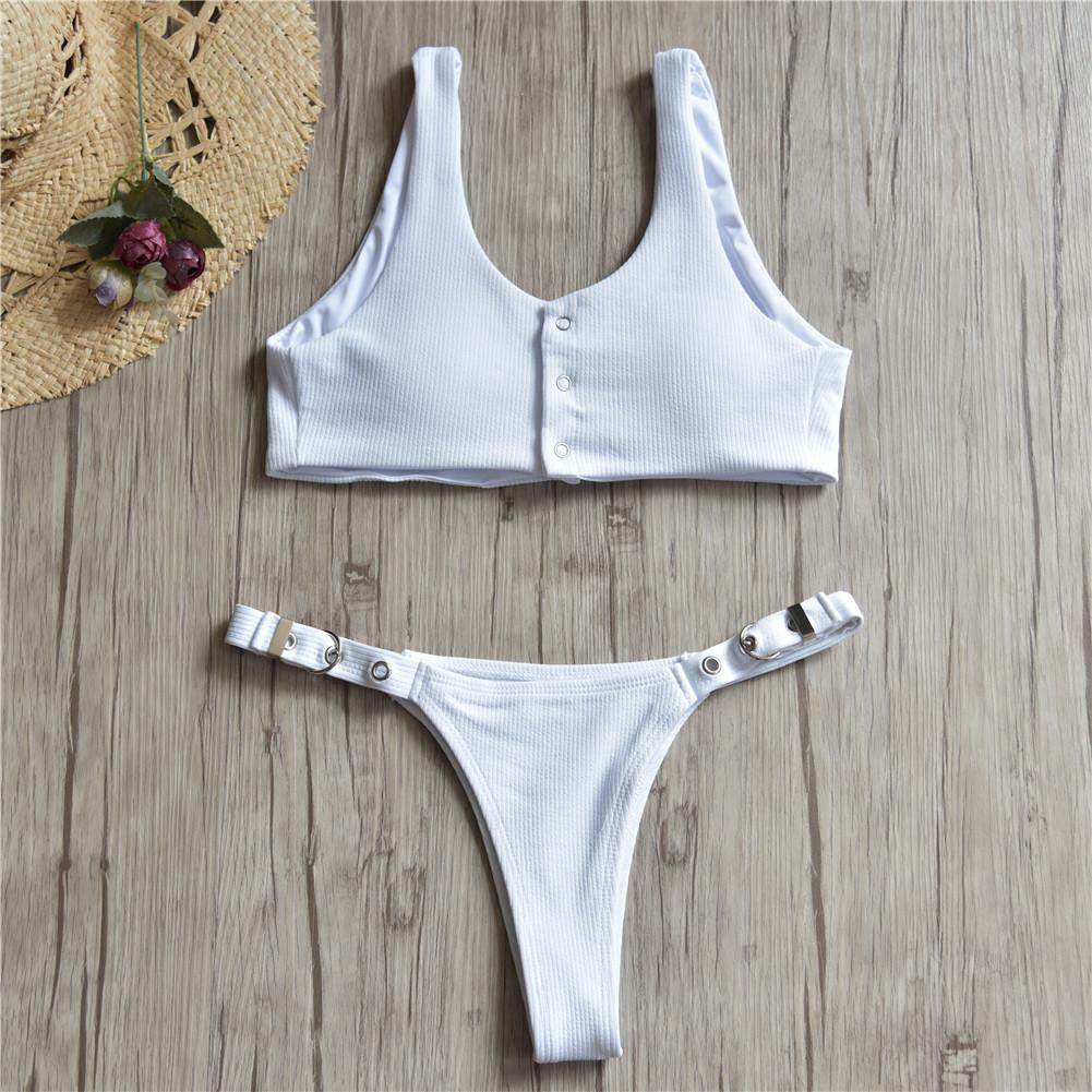 5dcb95afd3ca 2019 Alta Calidad Nuevo Sólido Bikini Top Botones Sexy traje de baño traje  de baño Ropa de playa Traje de baño Brasileño Tanga Bikini Set