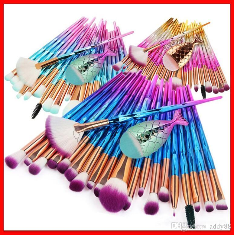 2019 New Mermaid Makeup Brushes 21pcs Pinceles de maquillaje Set Foundation Professional Eye shadow Pinceles de maquillaje Kit con Little Fish Brush