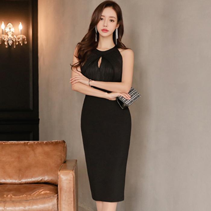 5a106336fb Vestito nero solido senza maniche 2019 moda Primavera Estate Lungo Pizzo  Sexy O-collo stretto Boho Dress moda donna Club Abiti 507D3