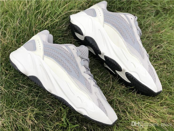 c03a5fc064359 Scarpe E Scarpe Online 2019 New Authentic 700 V2 Static Originals Kanye  West Wave Runner 3M Scarpe Da Corsa Riflettenti Donna Sport Mens Sneakers  EF2829 Con ...
