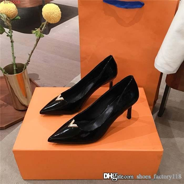 Classic Color matching low - top,shallow - mouthed leather Business dress shoes for ladies High heels with pointy,With complete packaging