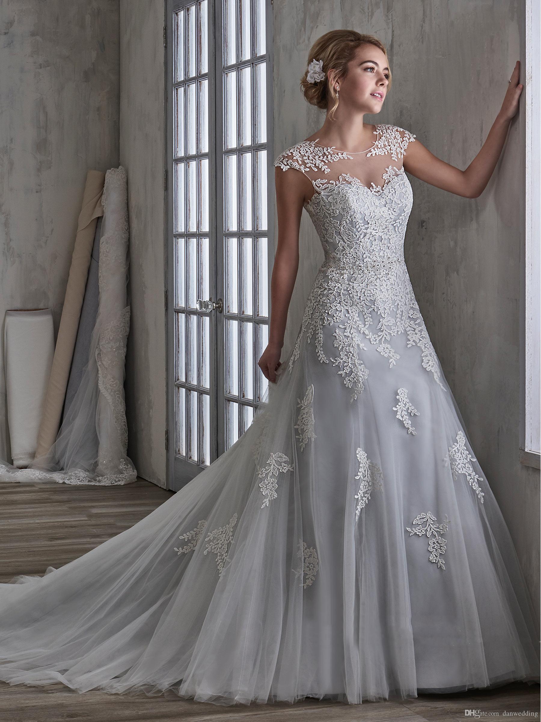 eb432bcb0 Compre Grace White Tulle Scoop Applique Beads Vaina Vestidos De Novia  Vestidos Nupciales Vestidos De Boda Vestidos Tamaño Personalizado 2 18  KF1217187 A ...