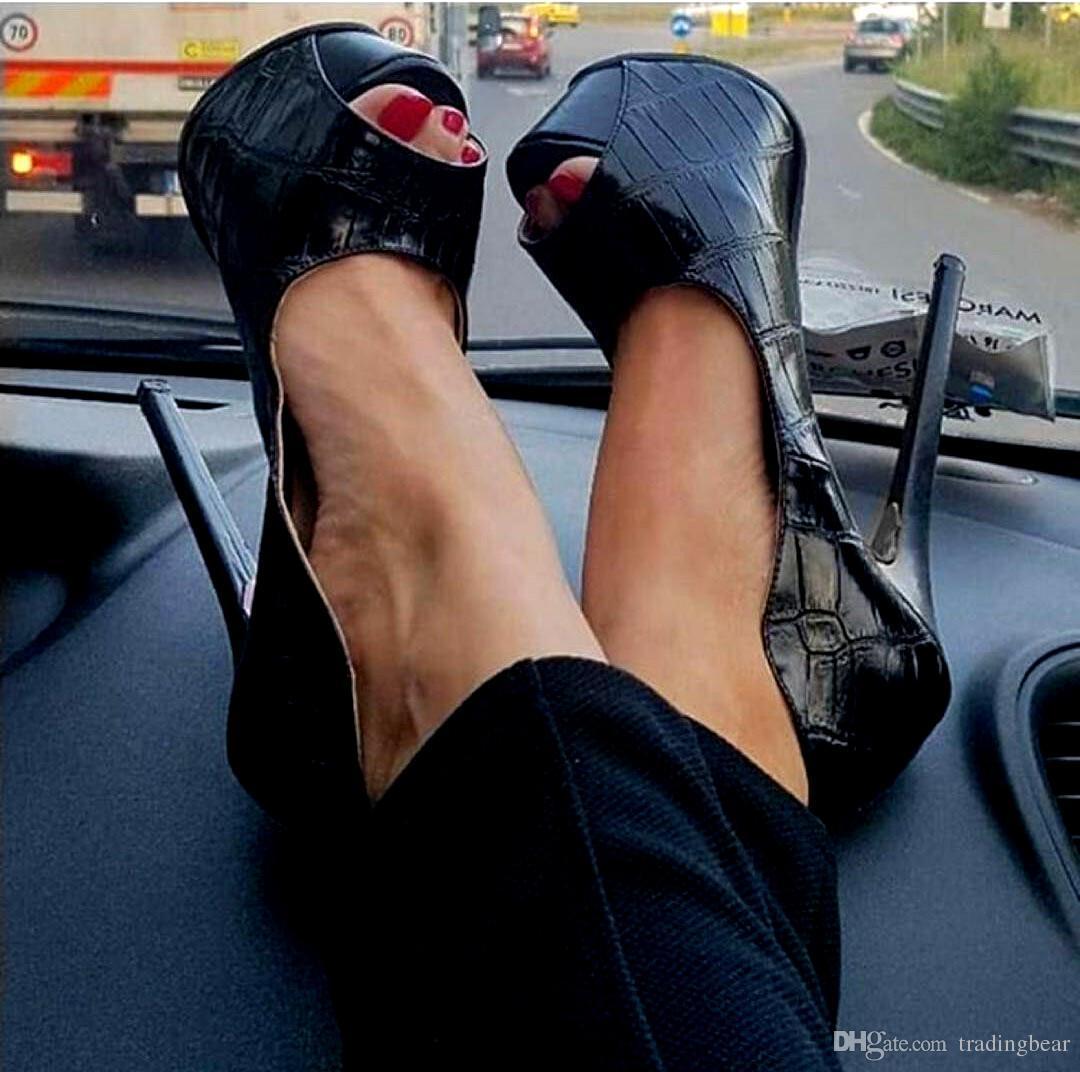 13459c58329eb Charm2019 Super Plattform Peep Toe Pumps Damen Designer Schuhe Schwarz  Steinmaserung PU Leder High Heels zu