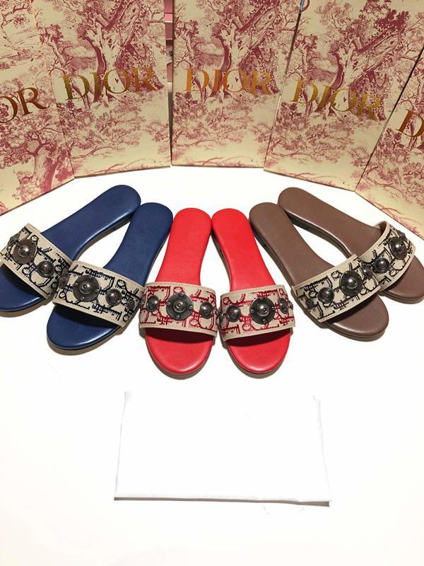 Sandals and slippers female summer wear 2019 new fashion rhinestone sequins net red slippers flat bottom ins tide beach shoes batch