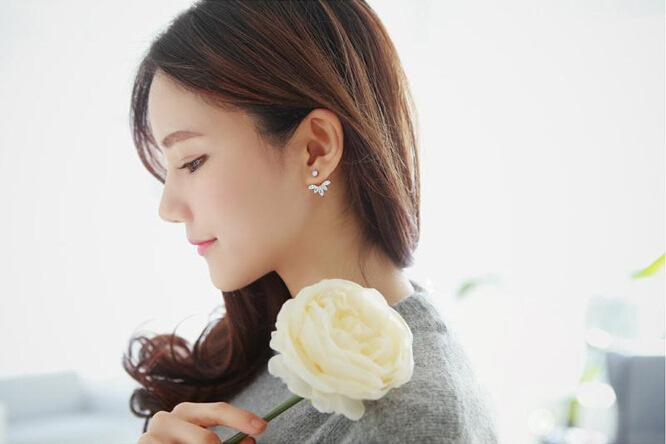 2017 High Quality Lovely Girls Fashion Exquisite Gold Zircon Leaf Ear Clips Stud Earrings For Women Trending Jewelry
