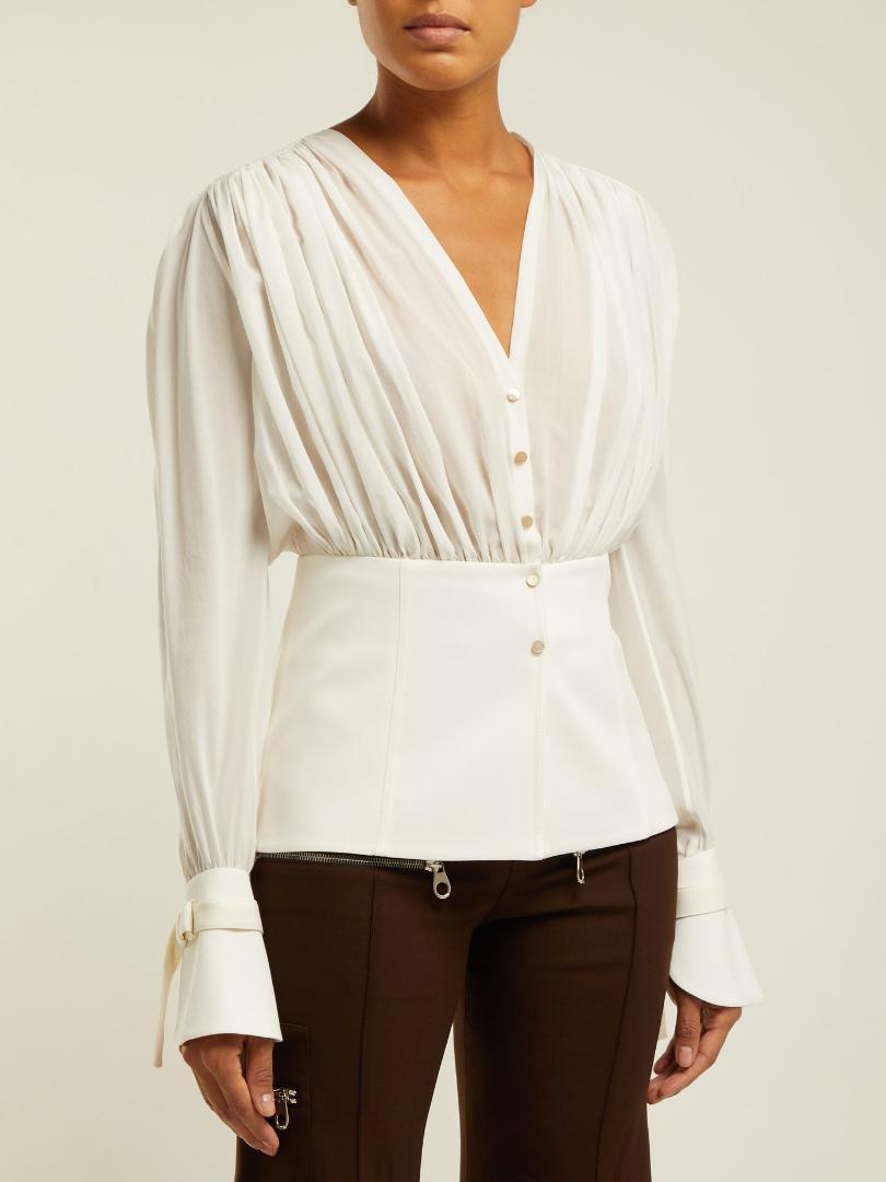 d4128c686 Compre Nova Primavera E Verão 2019 Mulheres Brancas Tops E Blusas Coreano  Roupas De Moda Mulheres Camisa Com Decote Em V Pista De Bunnier